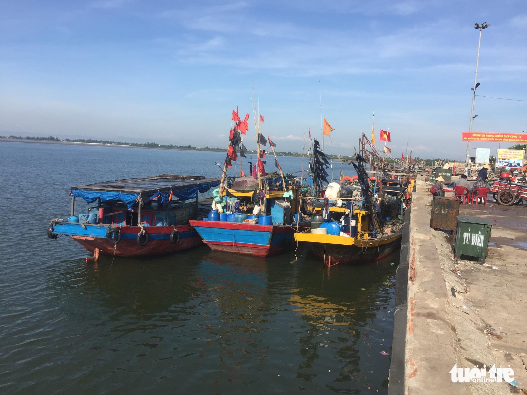Fishermen fined for using boat to flee COVID-19 lockdown zone in Vietnam