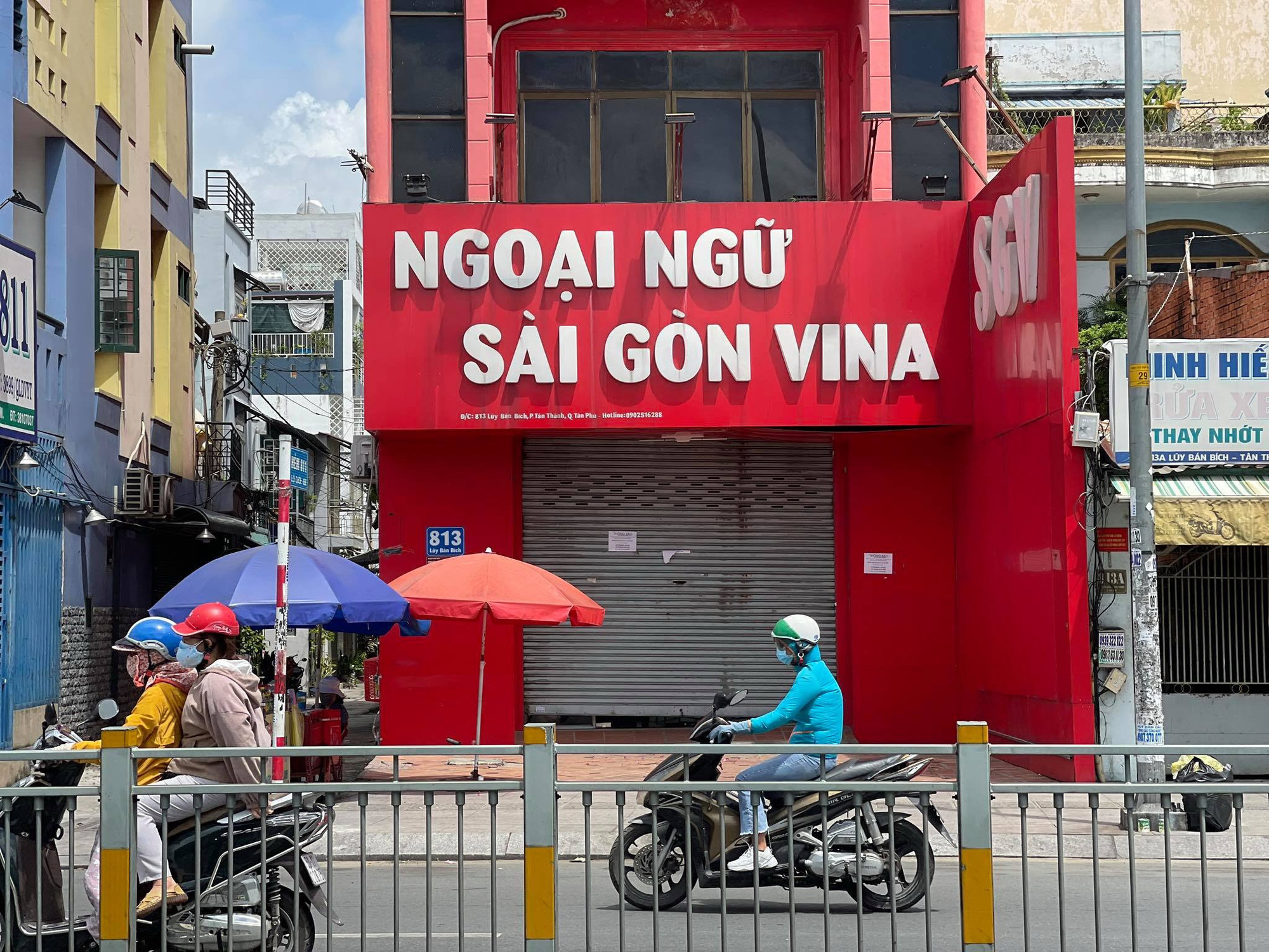 Vietnamese foreign language center owes teachers' payment for two years