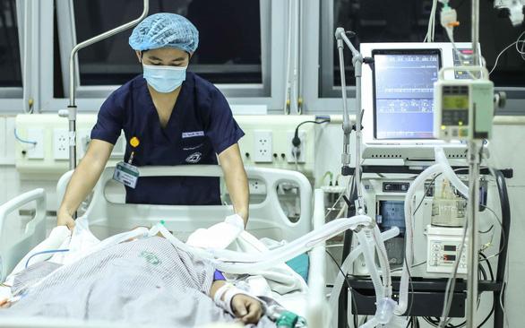 Vietnam business hub hastens medical equipment procurement to treat COVID-19 patients