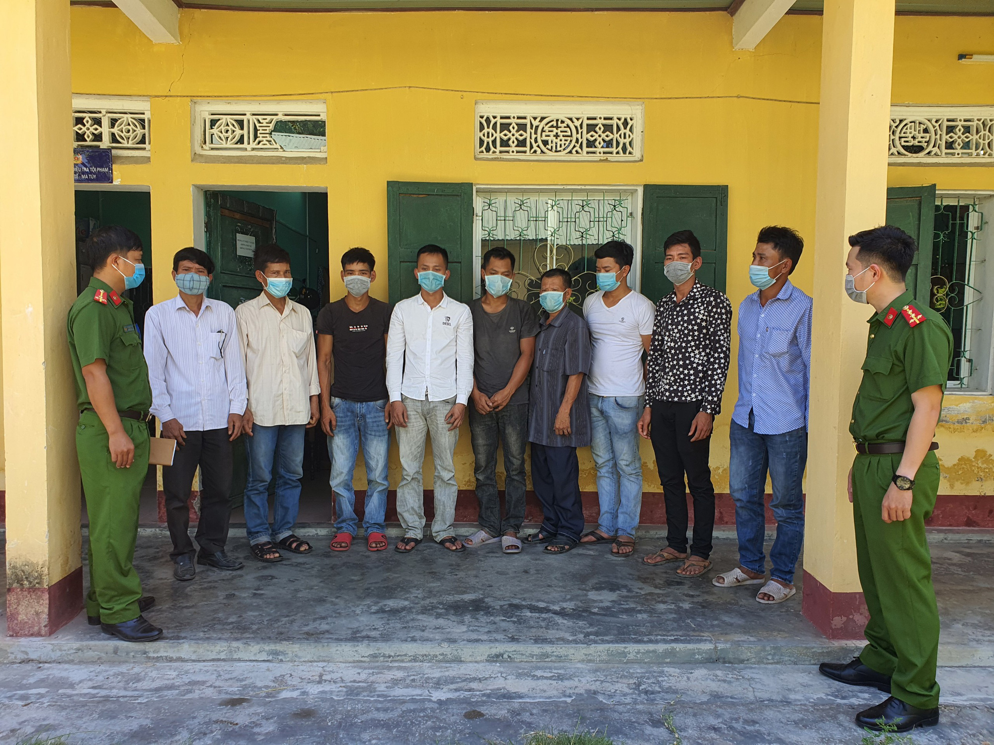 Ranger indicted for assisting loggers in deforestation in central Vietnam