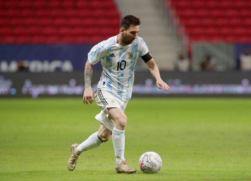 No rest for Messi in record-breaking Argentina appearance