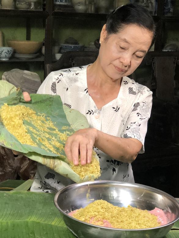 Meritorious artist Ngoc Tan. Photo: Tieu Tung / Tuoi Tre