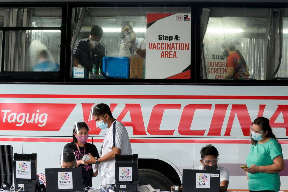 Philippines' Duterte threatens those who refuse the COVID-19 vaccine with jail