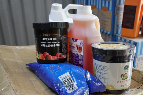 Boba tea ingredients of unknown origins in a warehouse in Ha Dong District, Hanoi, June 24, 2021. Photo Courtesy of Hanoi Market Surveillance Agency.