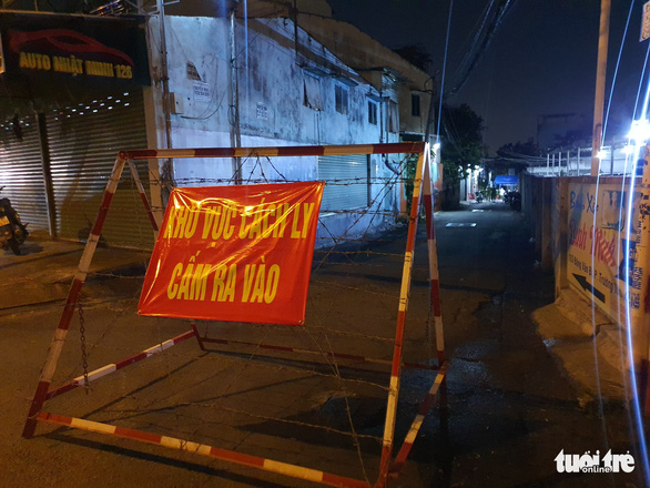 House fire in coronavirus-quarantined alley in Ho Chi Minh City kills one woman