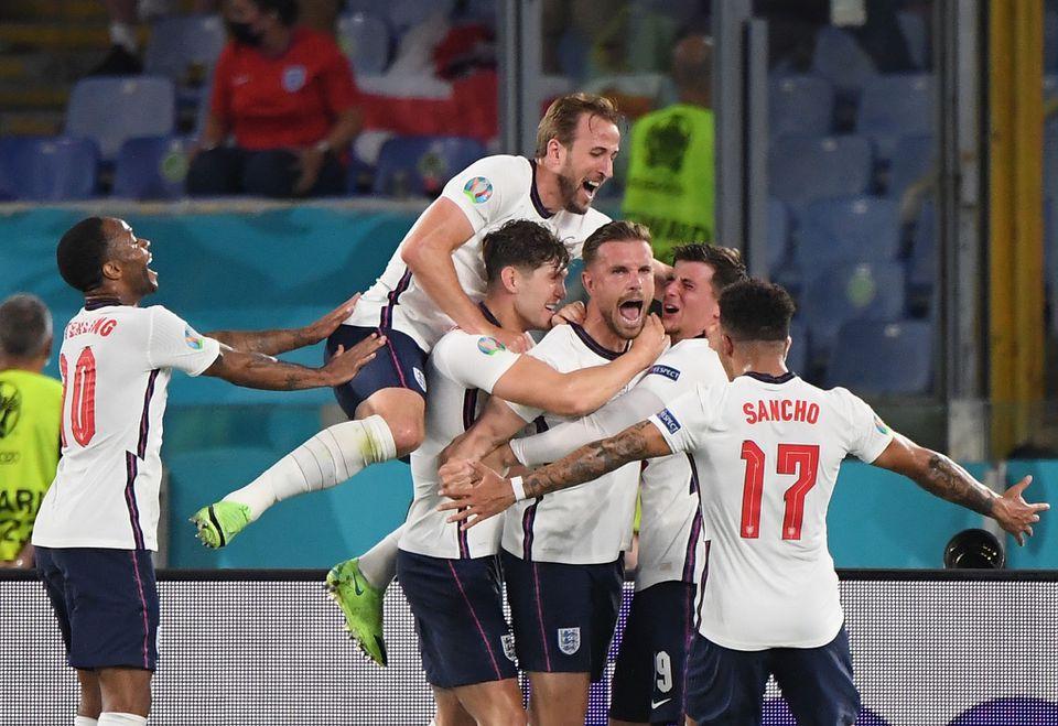 England thrash Ukraine to reach Euro semis as Kane scores twice