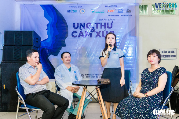 Vietnamese teacher shares bright energy among lung cancer patients