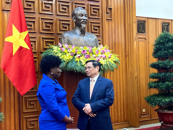 Victoria Kwakwa talks to Prime Minister Pham Minh Chinh under the framework of her visit to Vietnam on June 28 and 29. Photo: WB