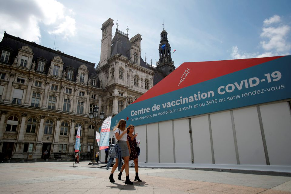 Rush for COVID vaccines as French government tightens screws
