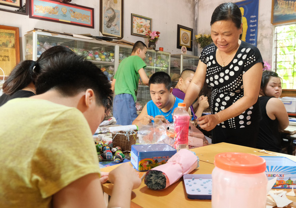 Vietnamese woman gives disabled youths boost with vocational training