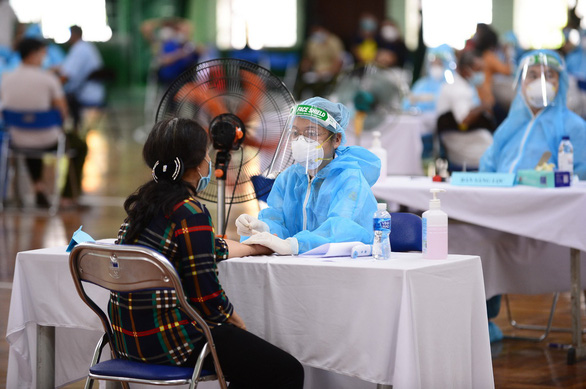 Vietnam announces daily record of over 3,400 coronavirus cases, nearly 2,700 in Saigon