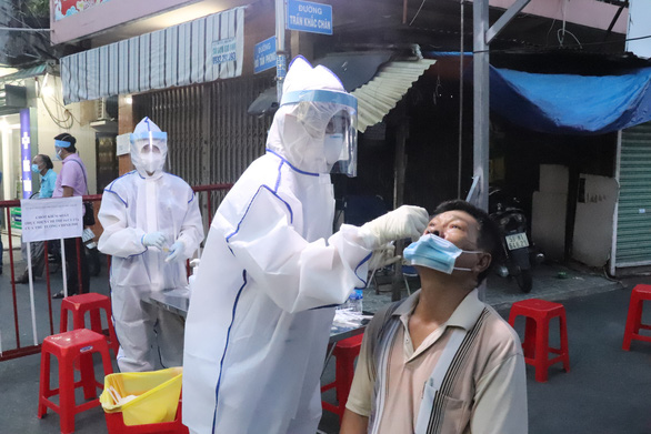 Daily coronavirus infections soar by over 3,300 in Vietnam