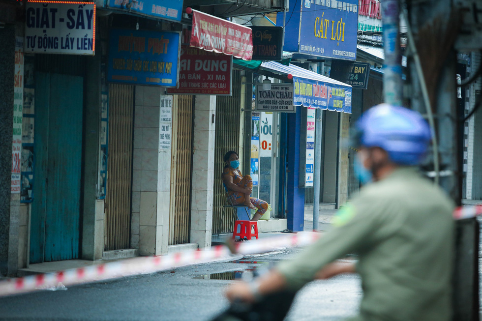 In photos: Ho Chi Minh City alleys in stark desolation because of COVID-19