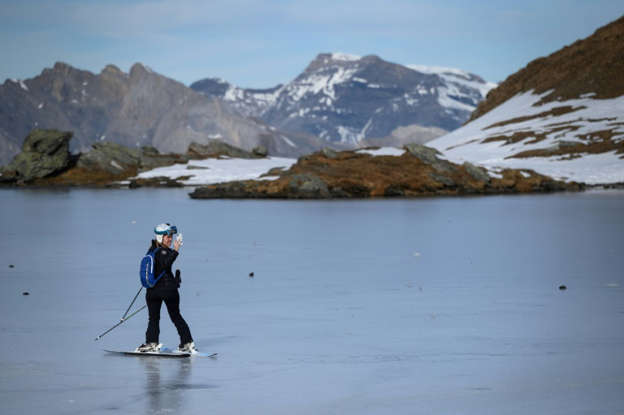 Climate change sees Swiss Alps add over 1,000 lakes: study