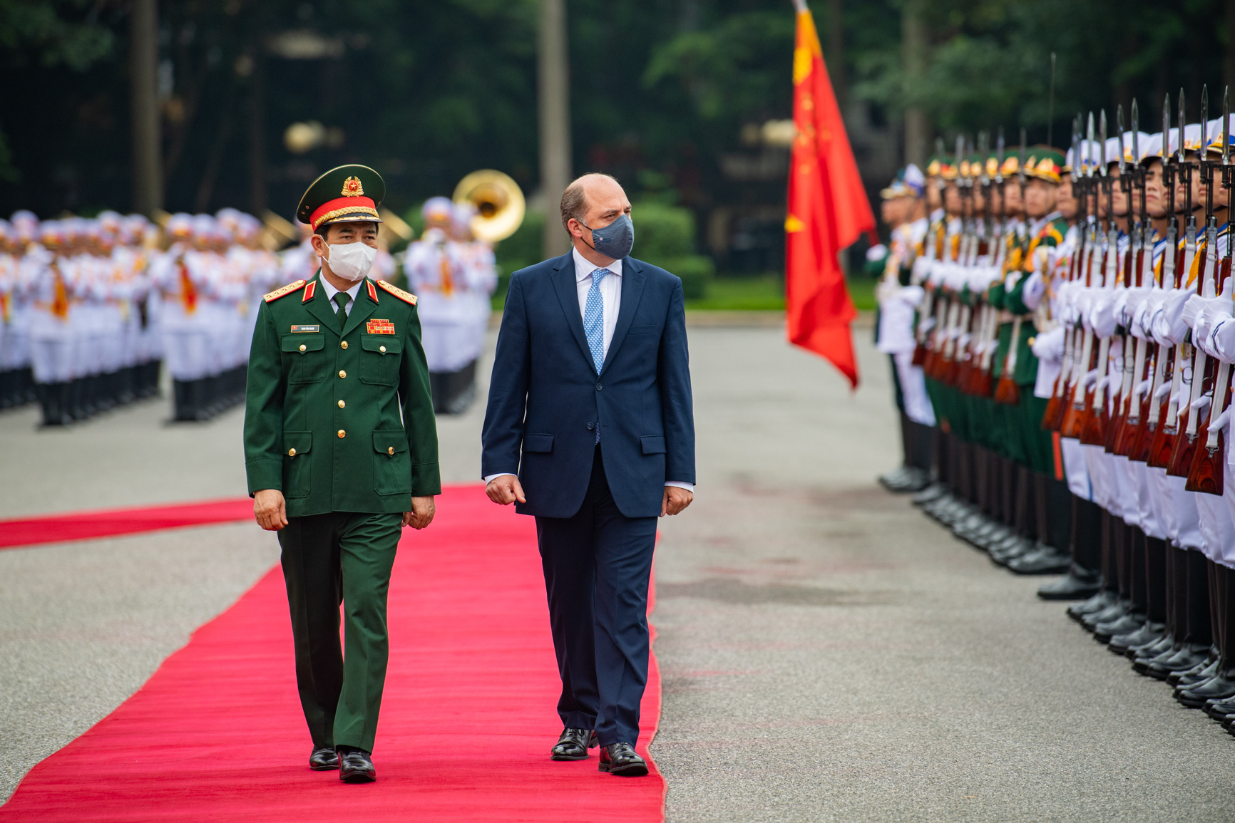 UK Secretary of State for Defense pays first official visit to Vietnam