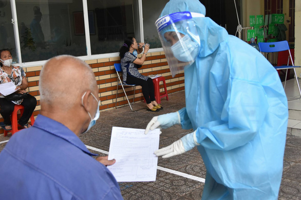Vietnam announces nearly 7,300 local coronavirus infections, over 2,000 recoveries