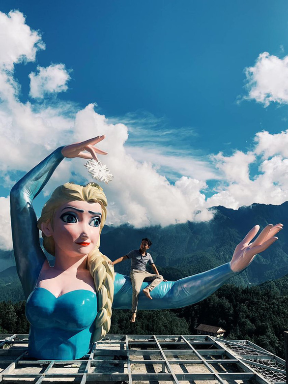 The controversial statue of Disney princess Elsa in Ansapa, a tourism complex in Sa Pa Town of Lao Cai Province in northern Vietnam. Photo courtesy of Ansapa.