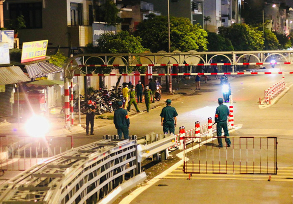 Ho Chi Minh City bans outdoor travels from 6:00 pm to 6:00 am to fight COVID-19