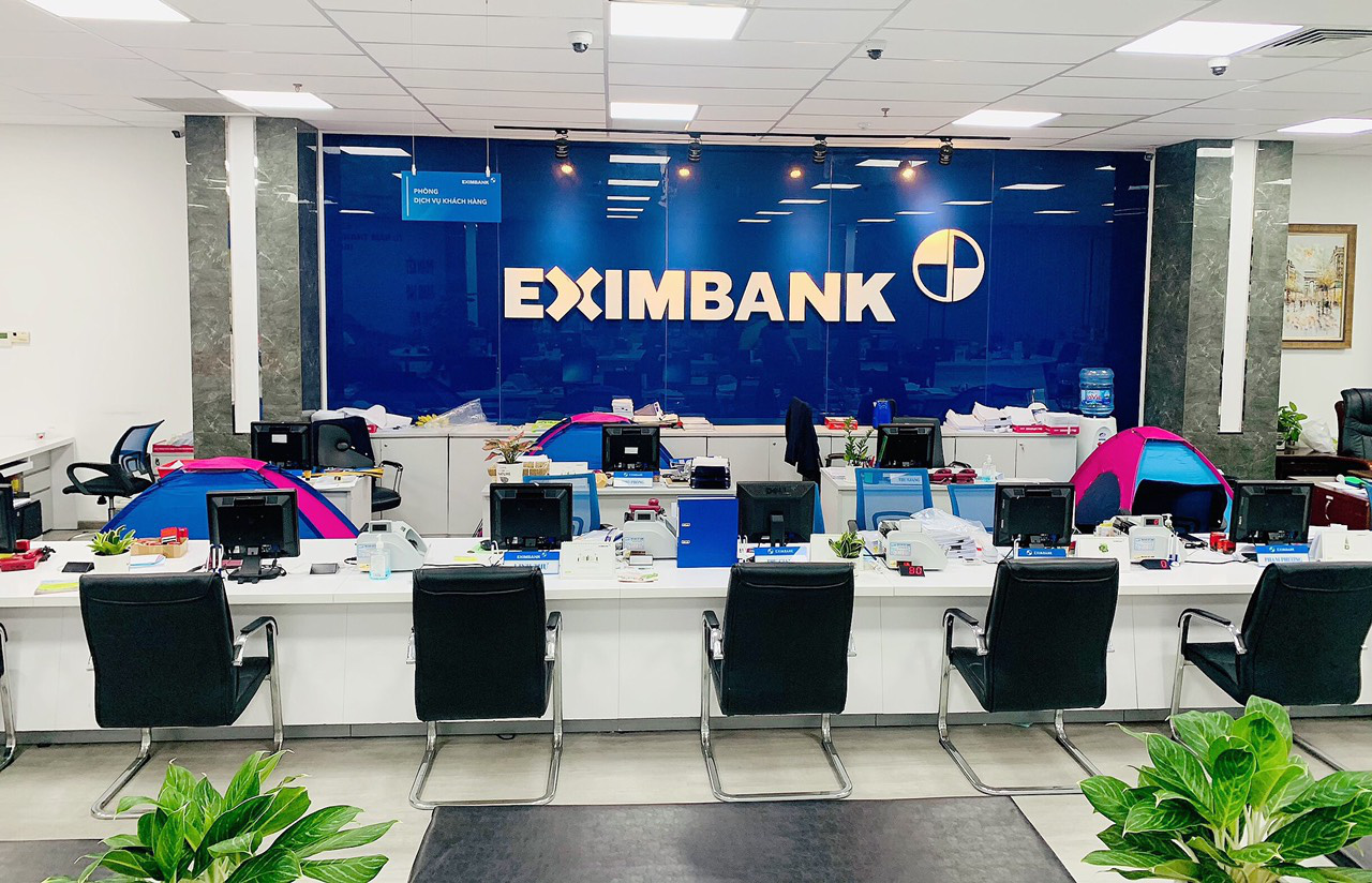 Ho Chi Minh City banks practice 'stay-at-work 'mechanism to maintain normal operations