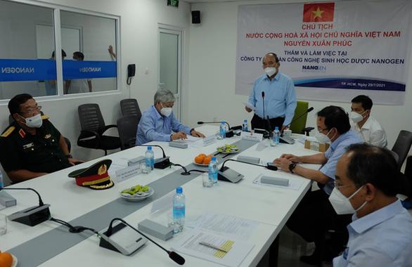 Vietnam president urges authorization for domestically-made Nano Covax vaccine