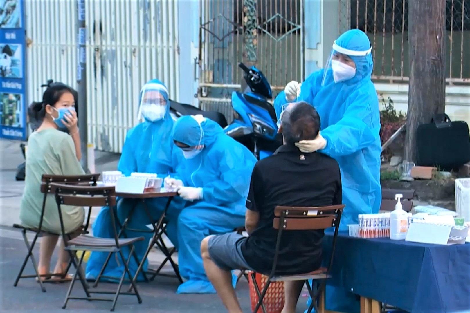 Vietnam's Nha Trang City bans outdoor travel at night over rising coronavirus cases