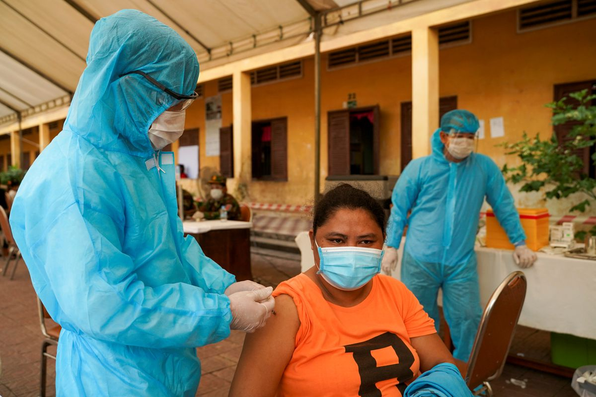 Cambodia to mix vaccines as booster shots to fight COVID-19