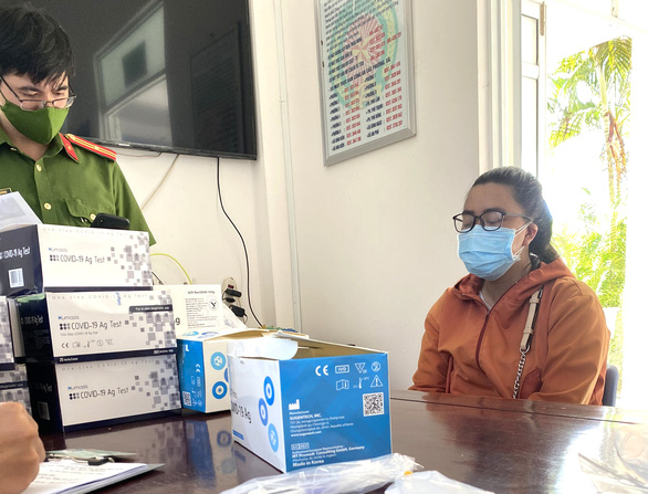 Woman held for illegally selling COVID-19 test kits in Vietnam