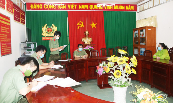Vietnamese woman penalized after spreading fake news on 'curing COVID-19 at home'