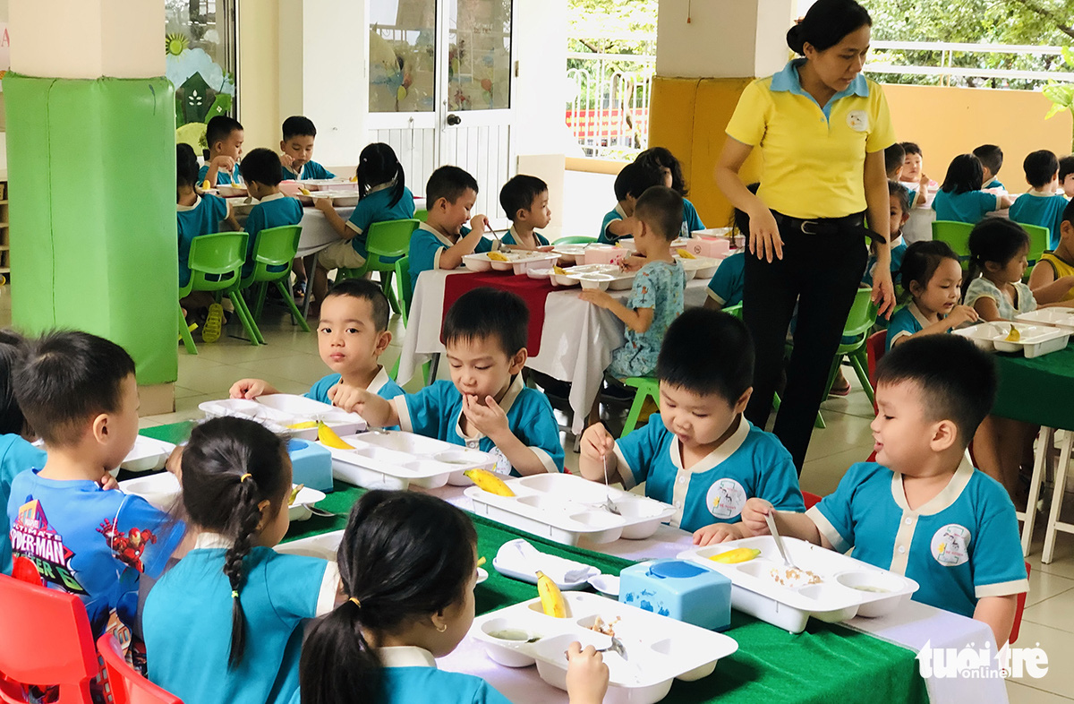 Owners of kindergartens rush to sell schools due to prolonged COVID-19 outbreak in Vietnam