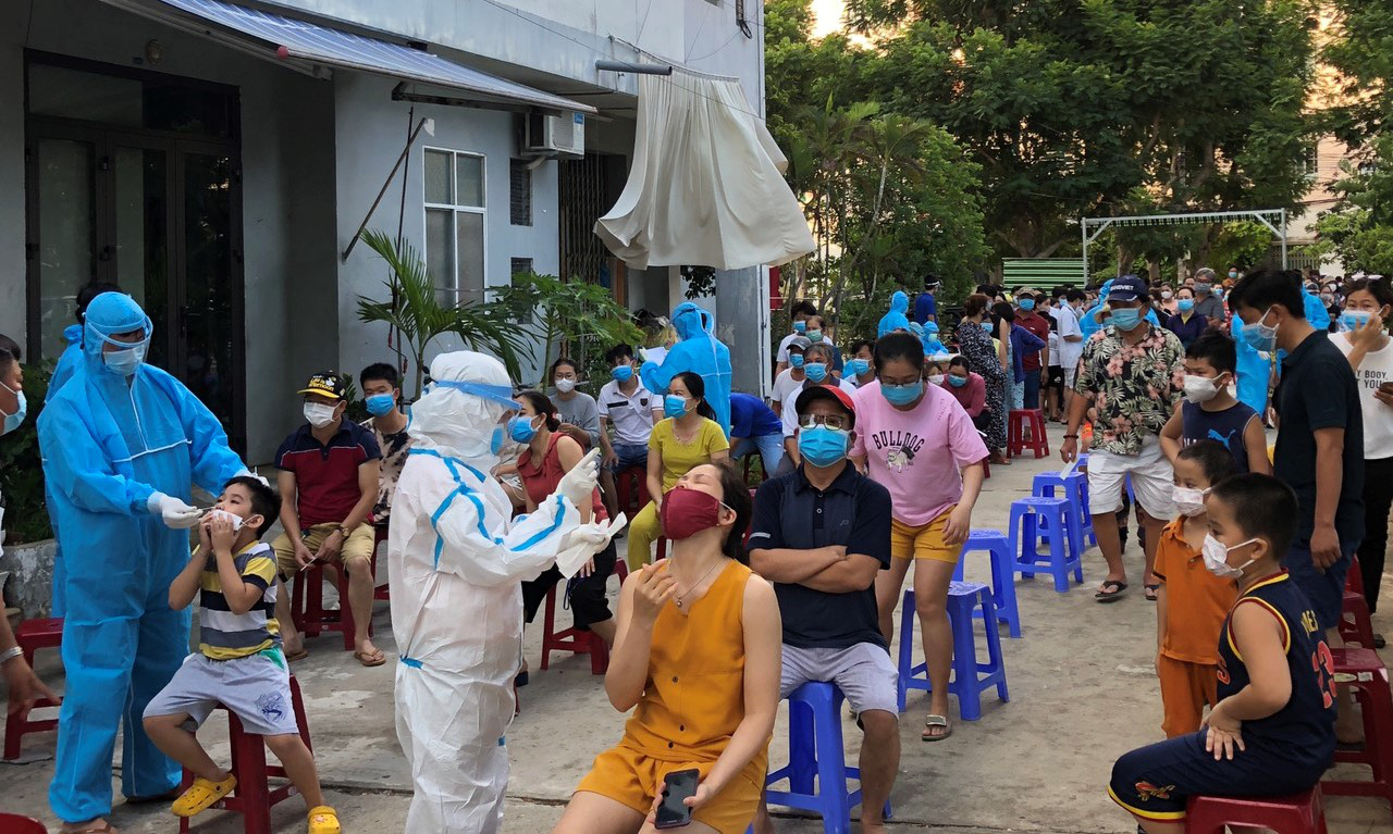 Vietnam's Da Nang official accused of slapping medical work says 'accidental arm swipe'