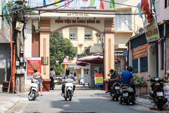 Hanoi shuts down hospital unit after practitioner found infected with COVID-19