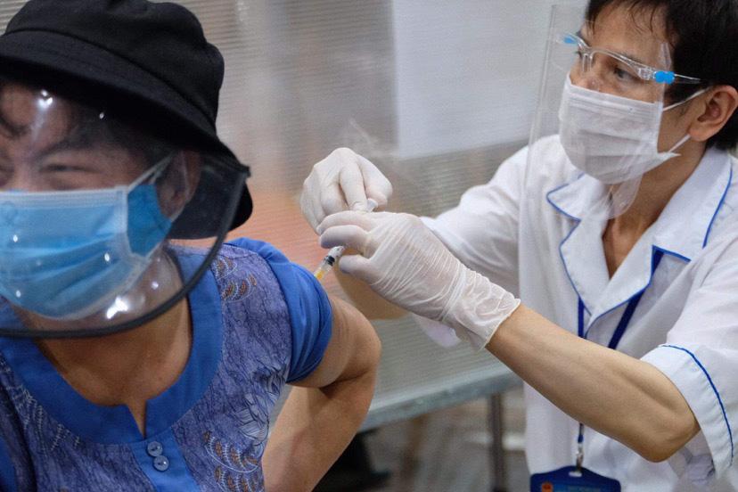 Over 1.6 million COVID-19 vaccine shots allocated to Hanoi, Ho Chi Minh City
