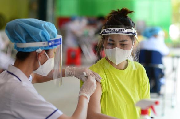 Vietnam detects over 7,200 new coronavirus cases