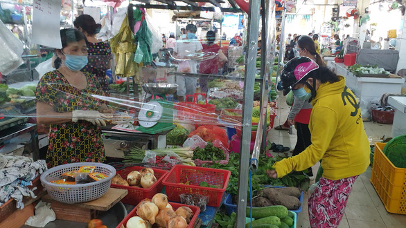 Ho Chi Minh City reopens selected wet markets