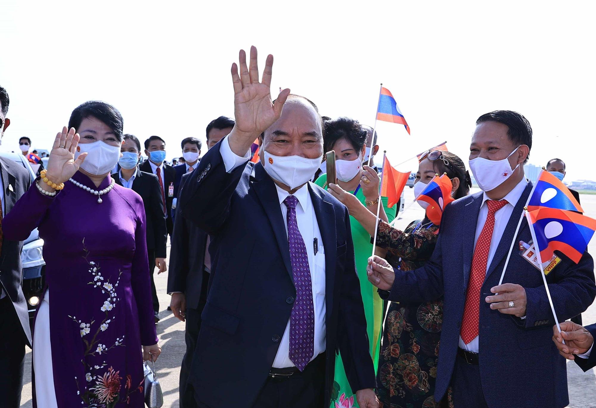 Vietnam president arrives in Laos for official visit