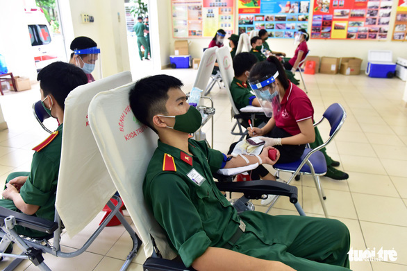 How can blood donors travel in Ho Chi Minh City during social distancing?