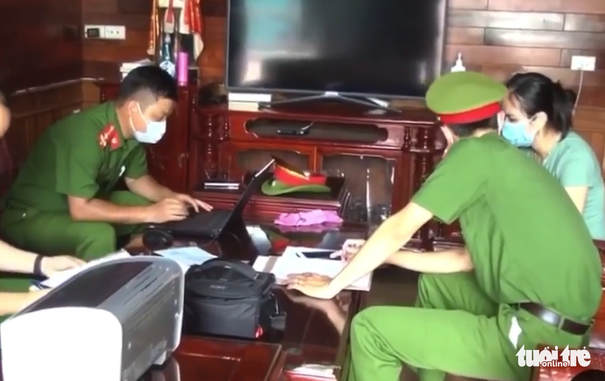 Police work on the case in Nghe An Province, Vietnam. Photo: Bac Xuan / Tuoi Tre