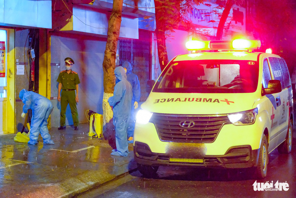 Hanoi fences off street following detection of 16 coronavirus cases