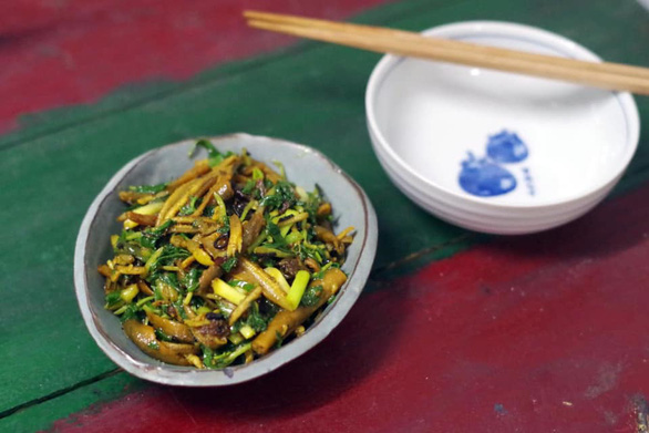 Stir-fry eel with chili and lemongrass, prepared in Vietnam's Nghe An Province style. Photo: Tieu Tung / Tuoi Tre