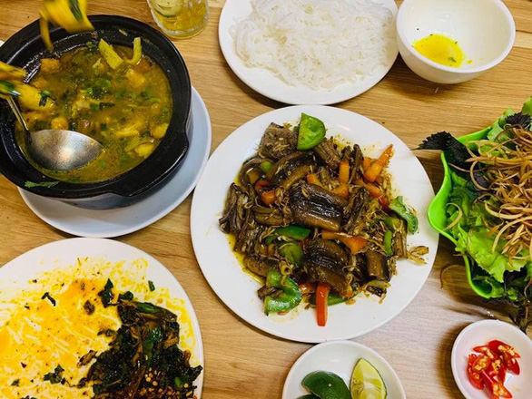 Improvised eel recipes for authentic Vietnamese taste amid downtown movement curbs