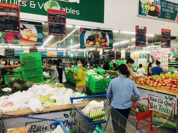 Supermarkets in Ho Chi Minh City still open during shelter-in-place mandate