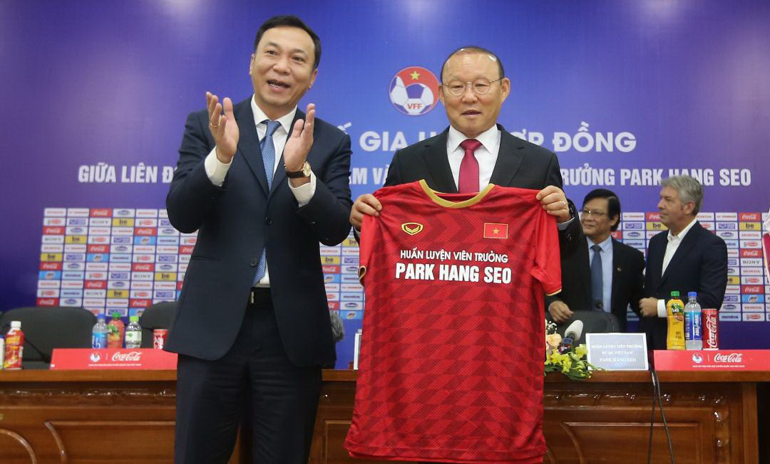 Vietnam's football governing body denies rumor of head coach transferring to Thailand