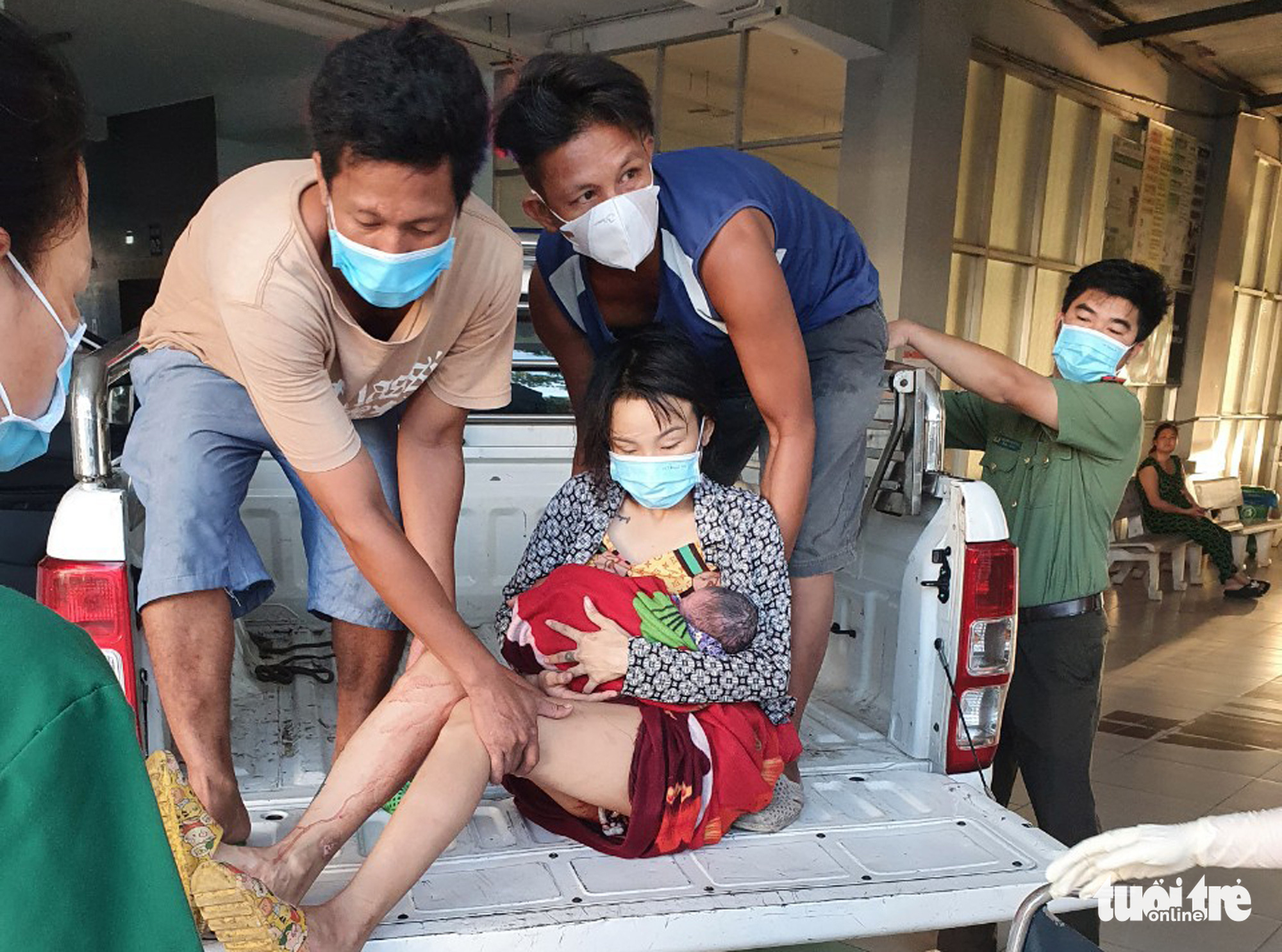 Police save hemorrhaging woman in southern Vietnam