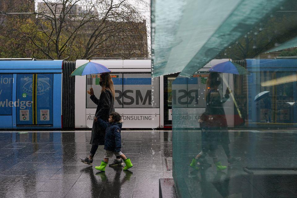 Sydney hospitals battle coronavirus as daily infections hit record