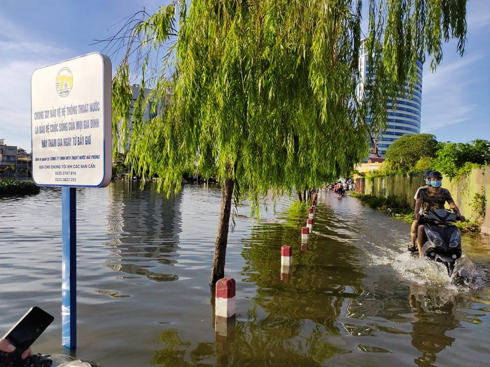 Siblings drown after lake overflows in northern Vietnam