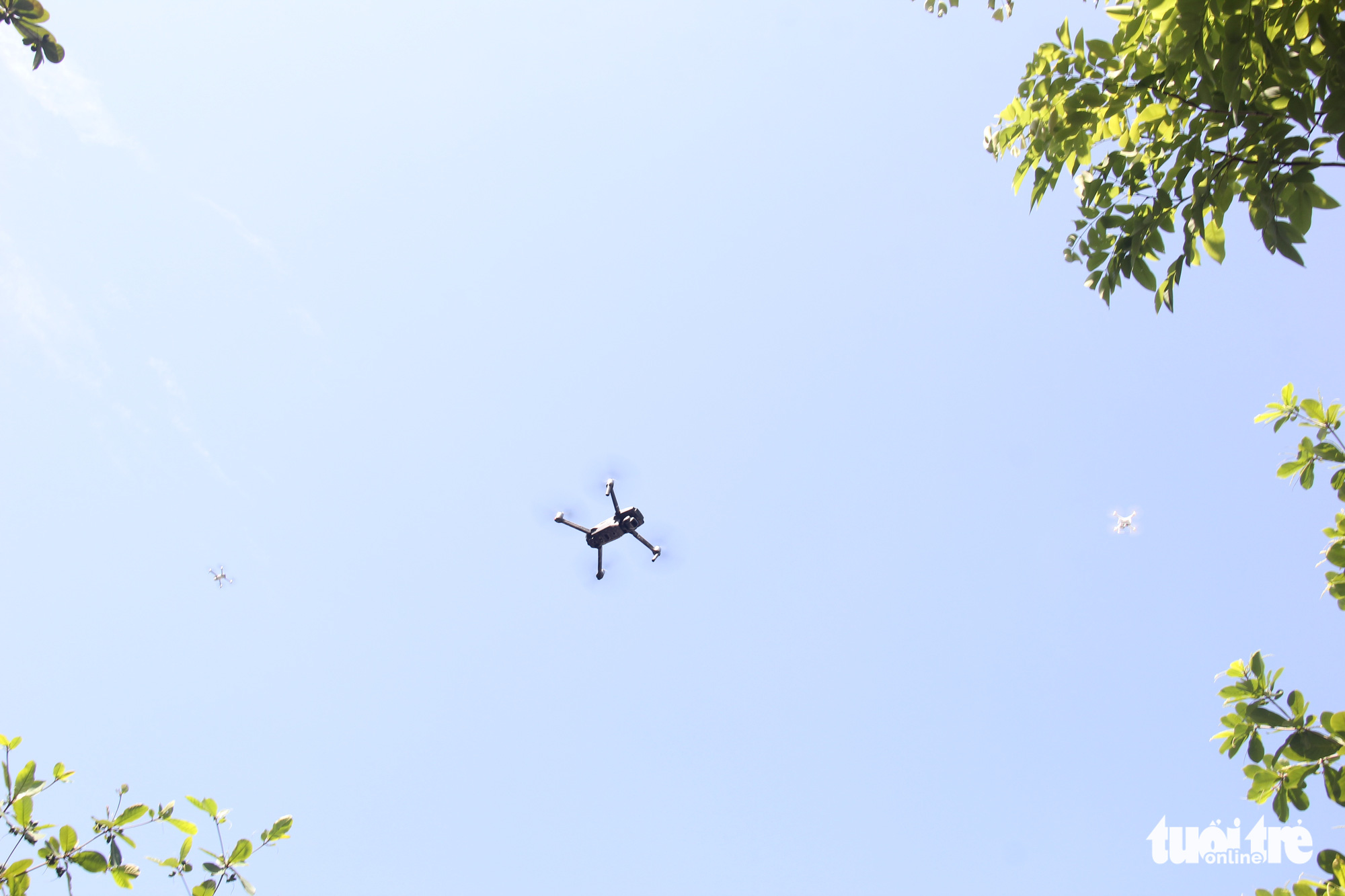 Da Nang district begins trial use of drones to monitor residents during COVID-19 pandemic