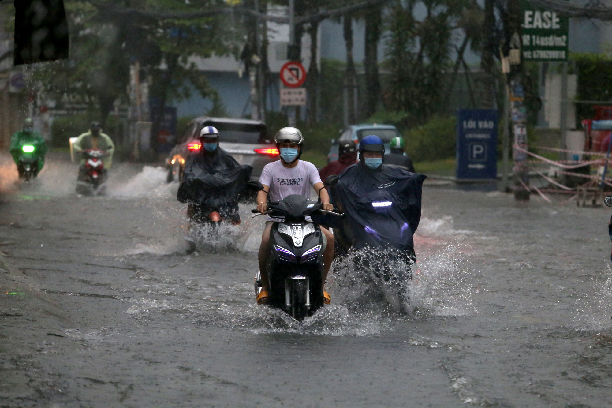 Downpours to batter southern Vietnam this week
