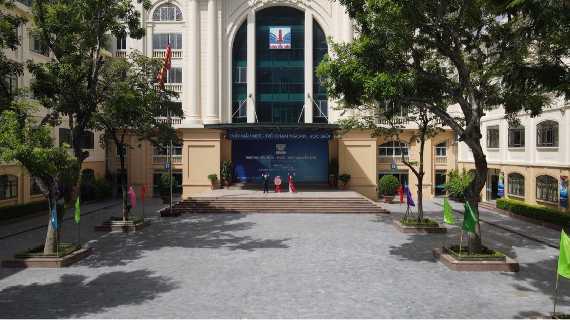The opening ceremony of the 2021-22 school year is organized without any attendee at Nguyen Sieu School in Hanoi, September 5, 2021 in this supplies photo.