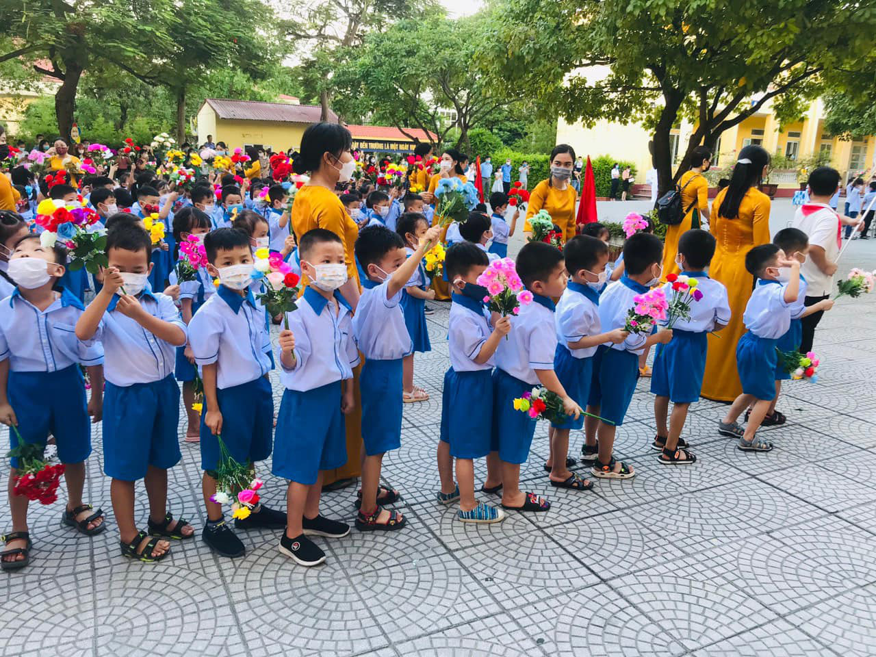 A school year opening ceremony at an elementary school in Phu Tho Province, September 5, 2021. Photo: Vinh Ha / Tuoi Tre