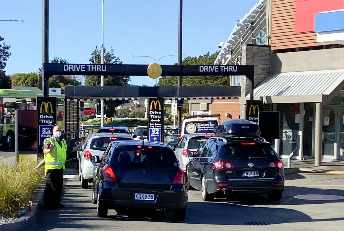 New Zealand COVID-19 cases steady ahead of decision on easing curbs